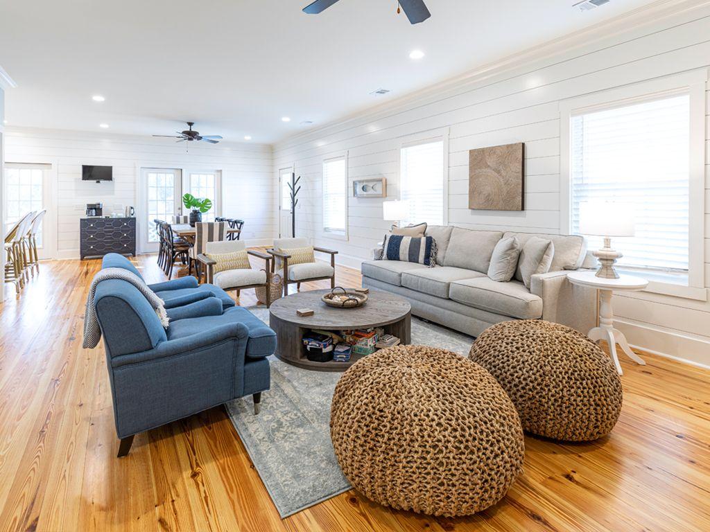 Luxury cottage living room